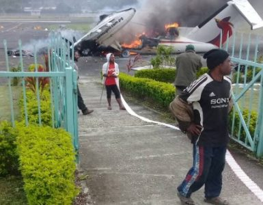 Riots in PNG could turn into civil war: report