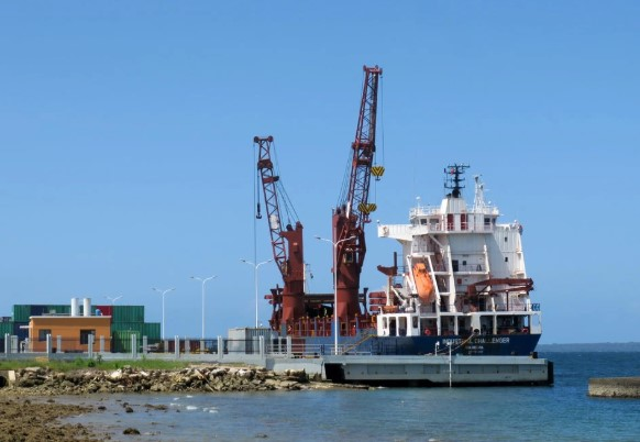 Vanuatu government's contract for Santo wharf 'heavily weighted' in China's favor: experts